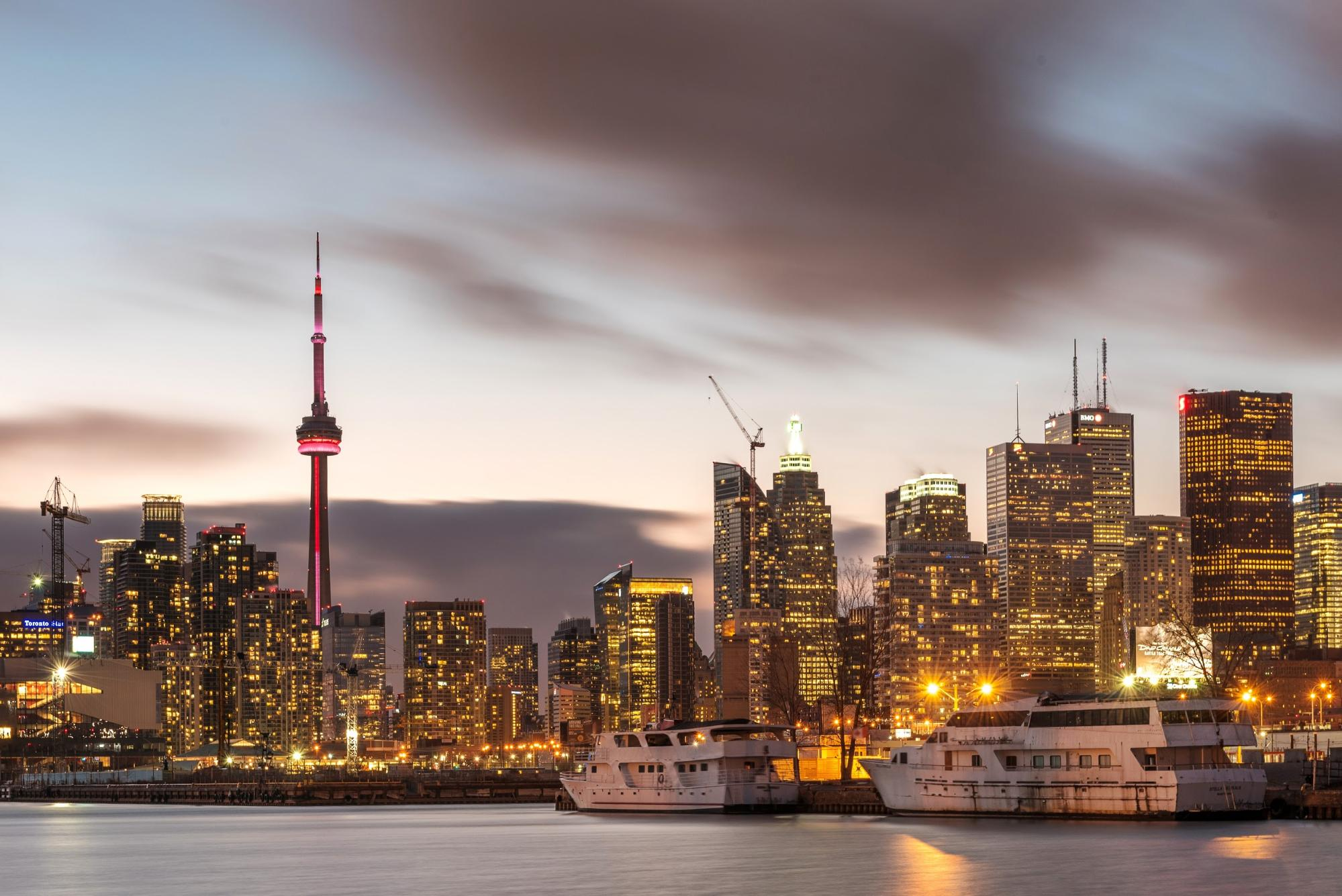 Twilight view of toronto skyline