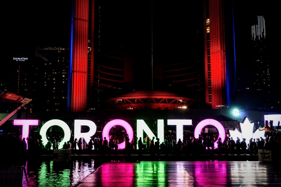 A picture of the Toronto sign in Nathan Phillips Square.